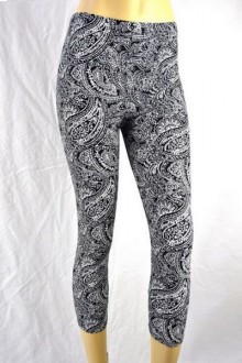 Women's SML Capri Pants, Black and White, will go well with stylish kurti